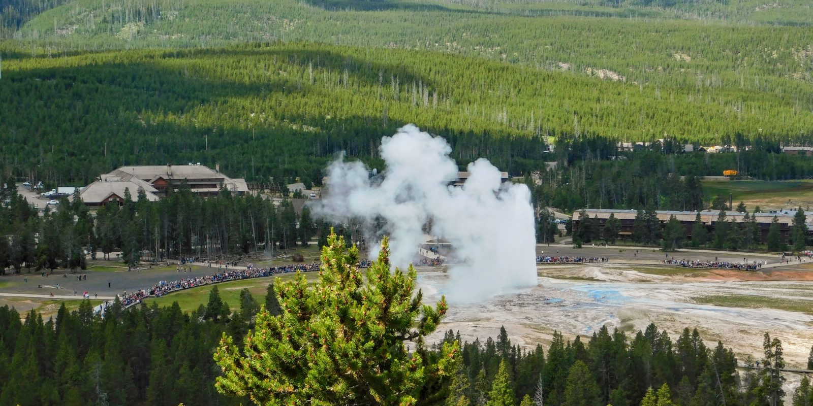 5 Observation Point 1600x800 - 9 Best Locations in Yellowstone National Park for Photography