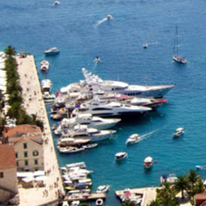 4-See-and-explore-yachts-in-hvar